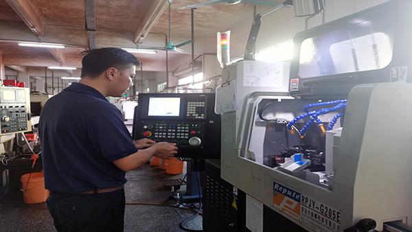 五轴车铣复合加工机非标定制-微丝钉